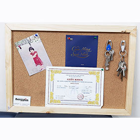 Bảng ghim bần khung gỗ tự nhiên mã GTNB-46